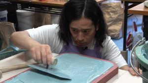 又吉直樹さんが、soil珪藻土バスマットの製造を体験